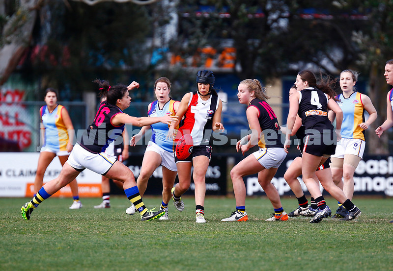 13-8-17. VAFA Women Preliminary Final. AJAX Jackettes were deferated by Old Mentonians 5-6-36 to 5-8-38. Toni Hamilton. Photo: Peter Haskin