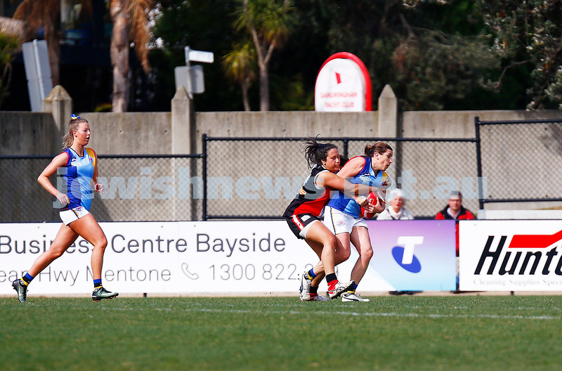 13-8-17. VAFA Women Preliminary Final. AJAX Jackettes were deferated by Old Mentonians 5-6-36 to 5-8-38. Amy Sekler. Photo: Peter Haskin