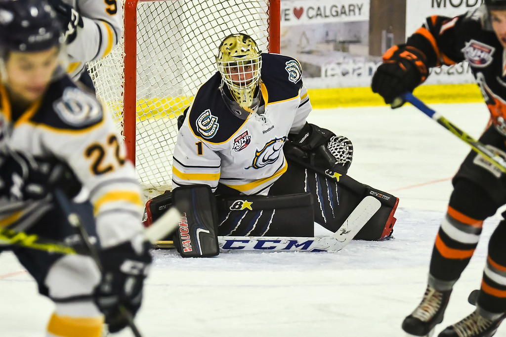 Oct 17, 2107 Calgary Mustangs host the Okotoks Oilers at the Father David Bauer arena