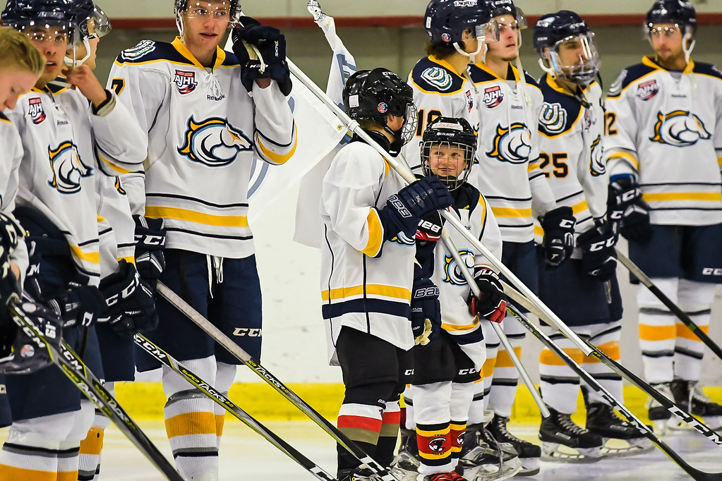 Oct 30, 2017 the Olds Grizzlies visit the Calgary Mustangs at the Father David Bauer arena in Calgary, AB