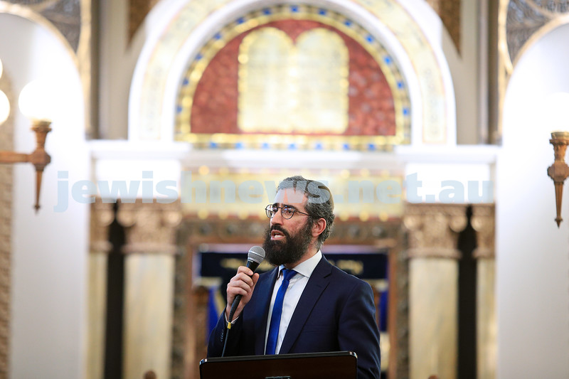 12-1-20. Rabbi Yaakov Glasman. Tefillah, Tzedakah and solidarity meeting held at St Kilda Shule for the thousands affected by the bush fires. Photo: Peter Haskin