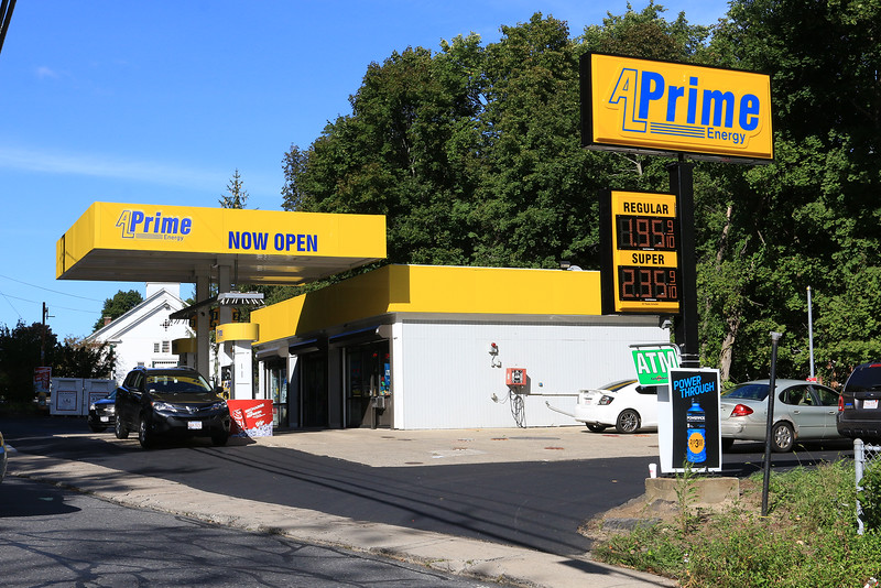 The A L Prime gas station on Mechanic Street in Fitchburg was robbed just after 8 p.m. on Wednesday night. SENTINEL & ENTERPRISE/JOHN LOVE