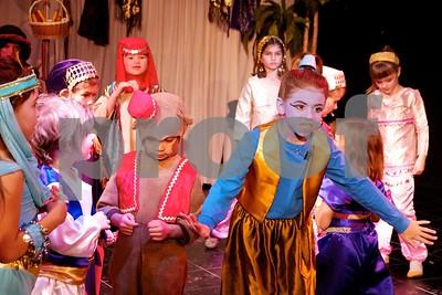 Aladdin Cast A 676