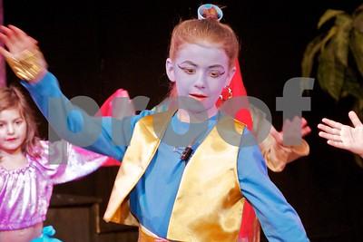 Aladdin Cast A 310