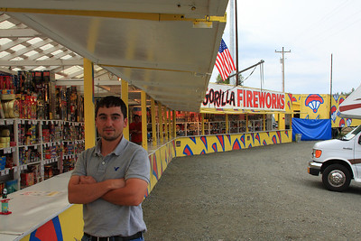 7 (ish)  Of course we had to stop at Gorilla Fireworks.  (testing the brakes in the R.V.....they work)  Dave and Joey bought a few.