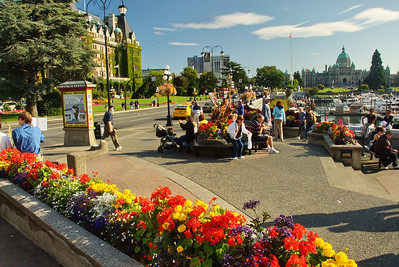 Street in front of the Empress Hotel