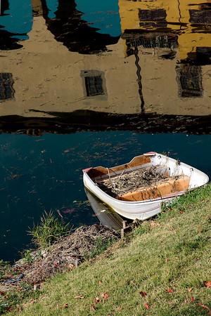 Rowboat under the Ponte Vecchio