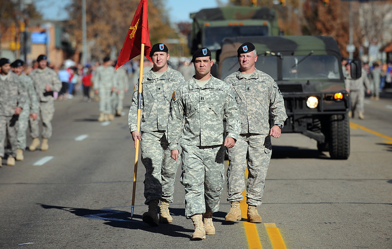 20101106_VETERANS_DAY_PARADE_14