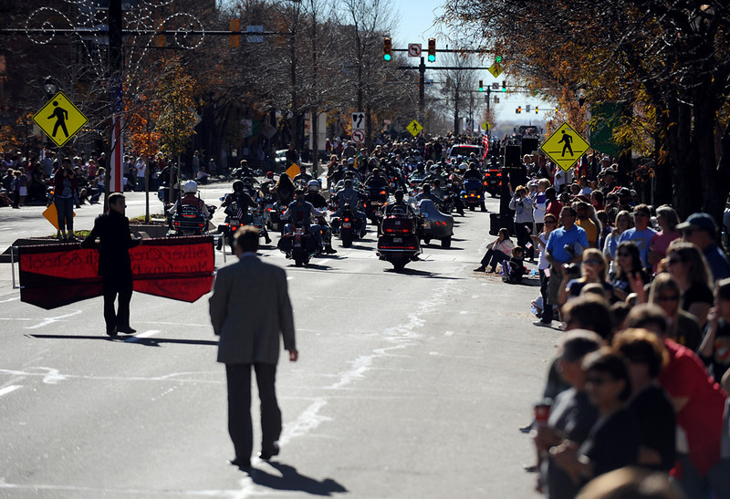 20101106_VETERANS_DAY_PARADE_16