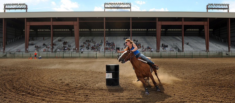 20110803_FAIR_BARREL_RACING_5