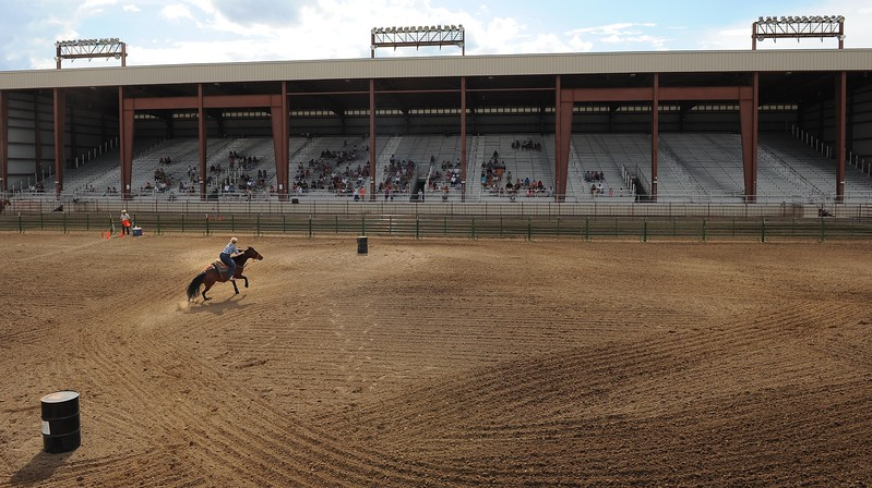 20110803_FAIR_BARREL_RACING_3
