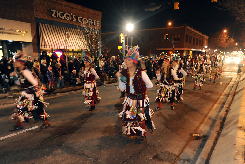 20111210_HOLIDAY_LIGHTS_PARADE_16