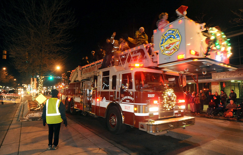 20111210_HOLIDAY_LIGHTS_PARADE_17