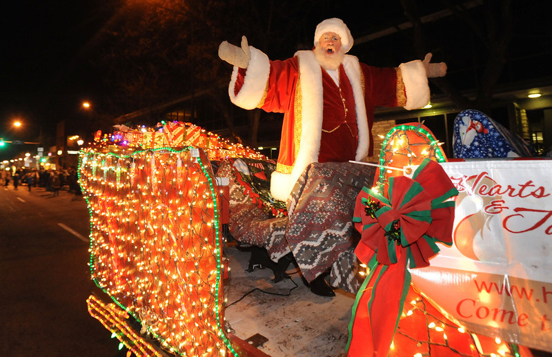 20111210_HOLIDAY_LIGHTS_PARADE_8
