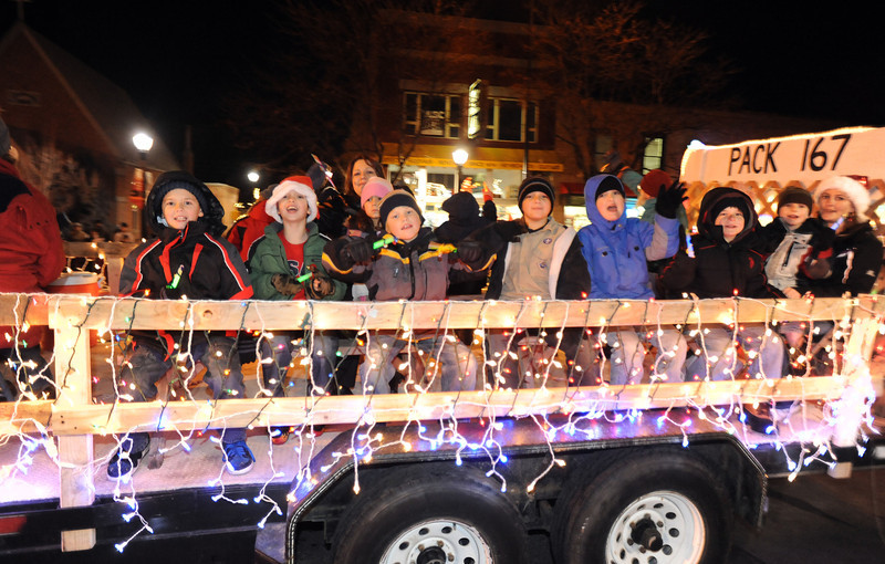 20111210_HOLIDAY_LIGHTS_PARADE_5