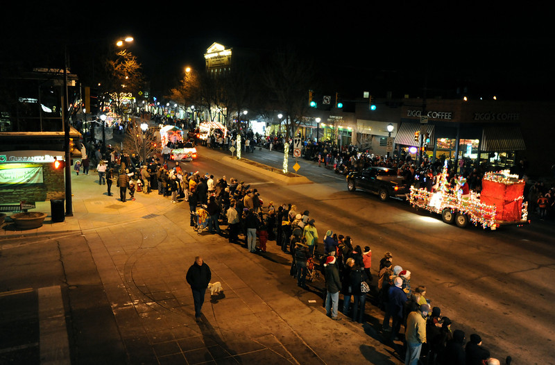 20111210_HOLIDAY_LIGHTS_PARADE_18
