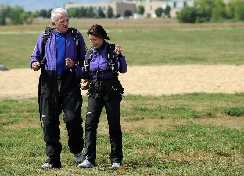 20110826_WELLS_SKYDIVING_5