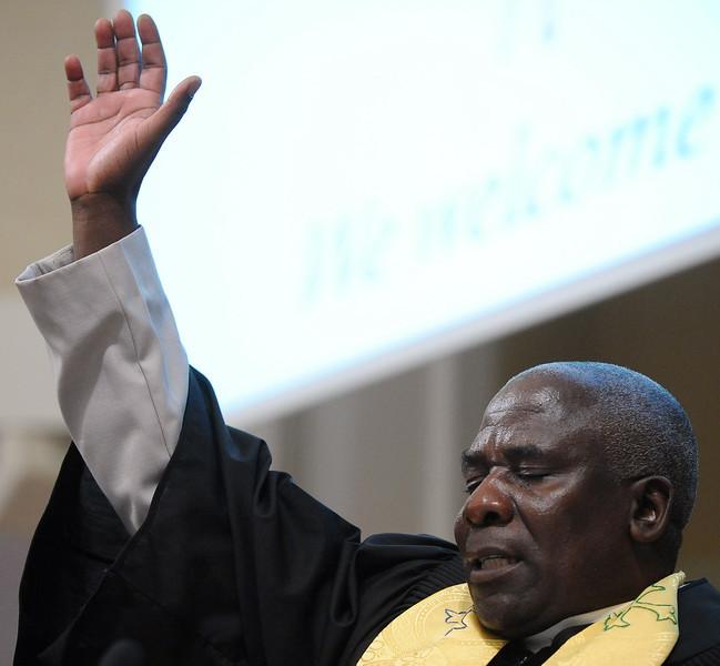 20100207_ZAMBIA_CHURCH_GROUP_2