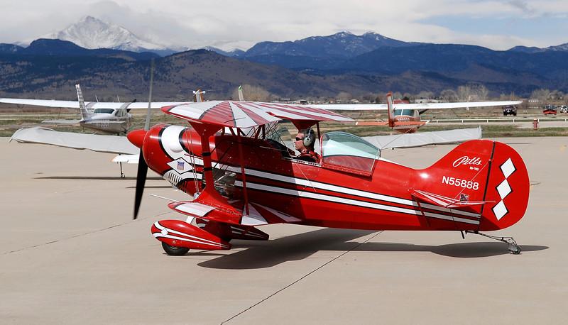 20100402_RMH_VANCE_BRAND_AIRPORT_STEEN