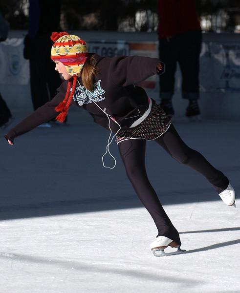 20101228_RMH_ICE_SKATE_PAVILION