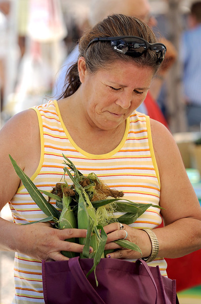 20100717_FARMERS_MARKET_POVERTY_1