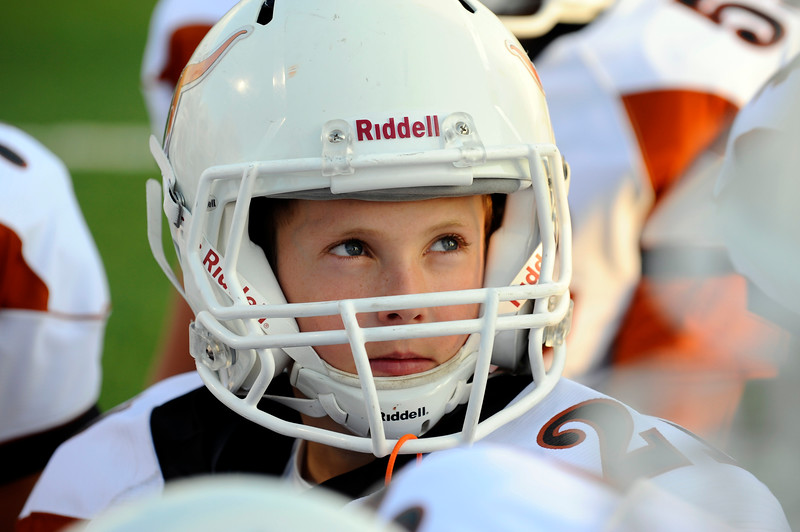 20090908_MEAD_ATHLETICS_FOOTBALL_HESKETT