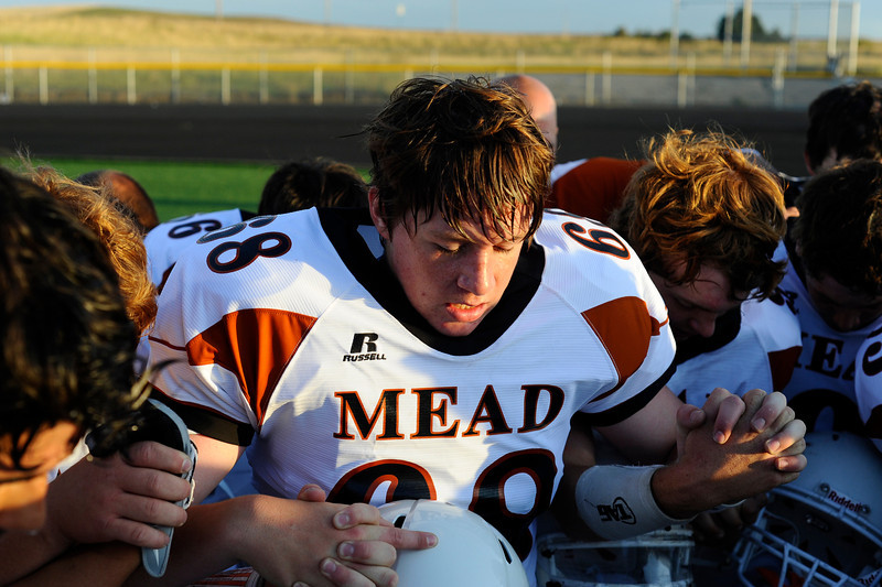 20090908_MEAD_ATHLETICS_FOOTBALL_TESTROET
