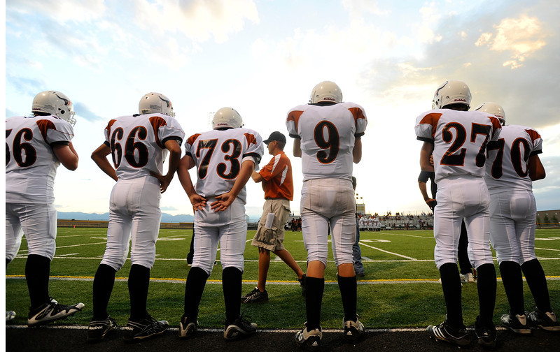 20090908_MEAD_ATHLETICS_FOOTBAL_WATCH