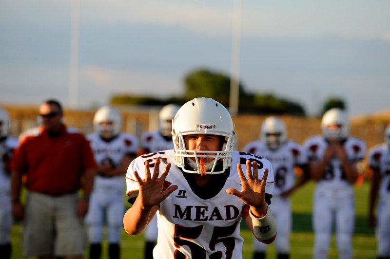 20090908_MEAD_ATHLETICS_FOOTBALL_ROSE