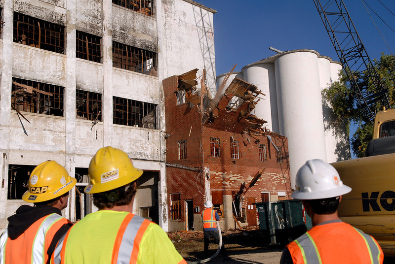 20101005_RMH_FLOUR_MILL_DEMOLITION