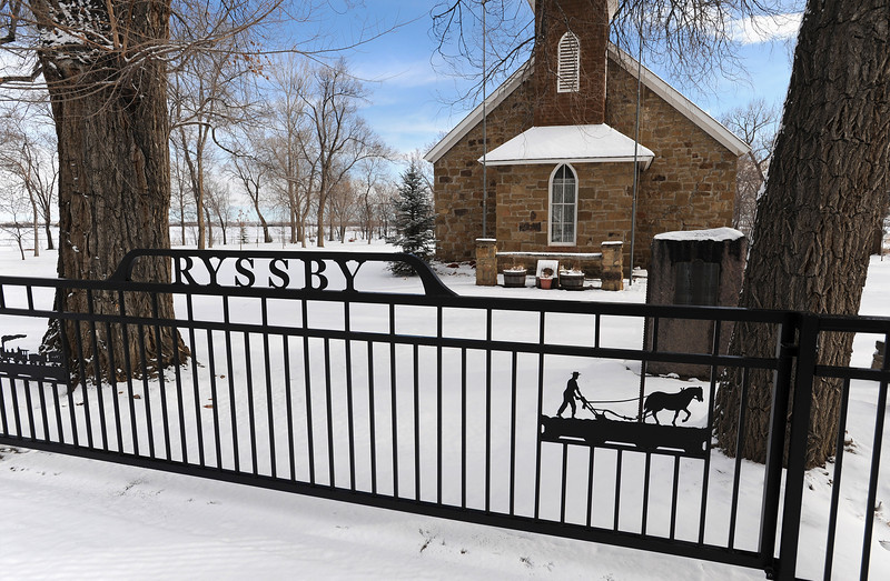 20090112_SNOW_RYSSBY_CHURCH_FENCE