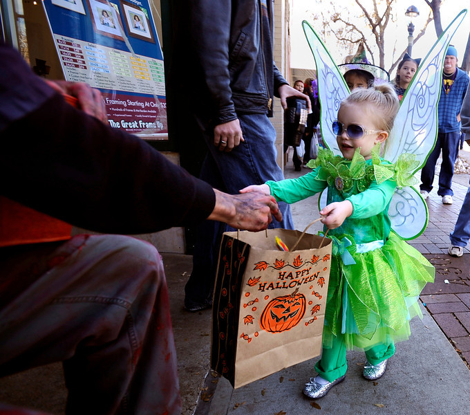 20091031_HALLOWEEN_PARADE_COLE