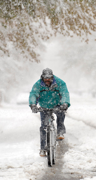 20091028_SNOW_WEATHER_STORM_WILLIAMS_BIKE