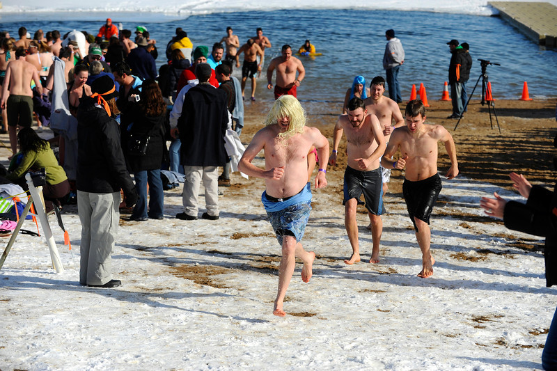 20100101_POLAR_BEAR_PLUNGE_RUN