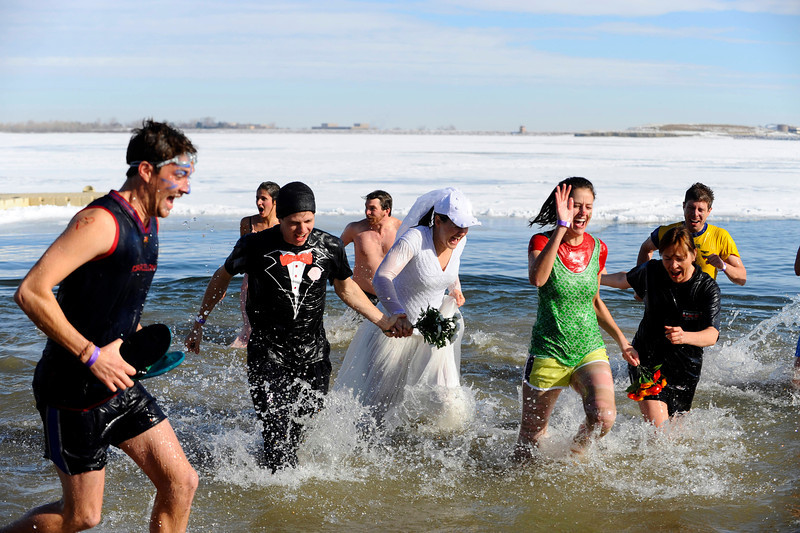 20100101_POLAR_BEAR_PLUNGE_WED