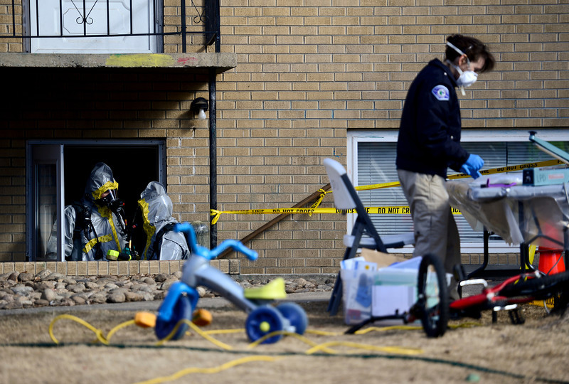 20130218_DEATH_INVEST_111.jpg Longmont Police investigate the death of a 6 year old child, Monday, Feb. 18, at 706 Darby Court.<br /> (Matthew Jonas/Times-Call)