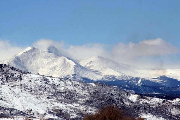 A view of the mountains from Longmont. (Photo submitted by Wendy Gronbeck)