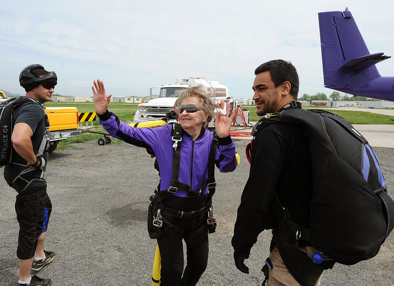 20100527_SKYDIVER_12