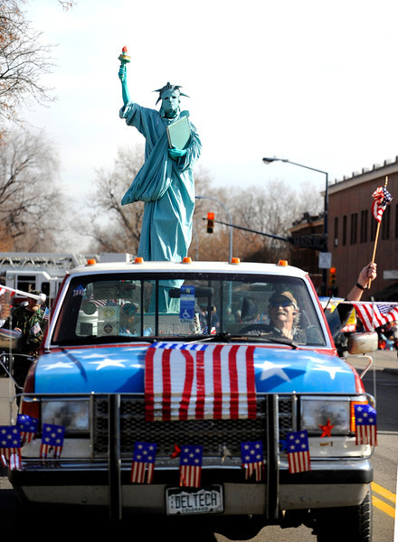 20091111_VETERANS_DAY_PARADE_LADY_LIBERTY
