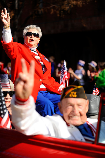 20091111_VETERANS_DAY_PARADE_WWII_WIDOWS