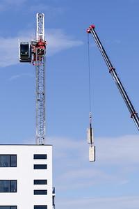 Construction crane removal. Update ed311. Gosford. April 9, 2019.