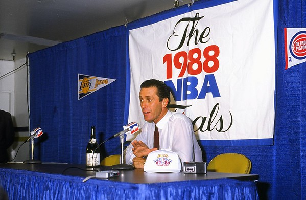 1835 RILEY, PAT PODIUM 1988 NBA CHAMPIONS 1 OF 4