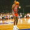 JORDAN (205A) 1984 USA VS NBA  FREE THROW