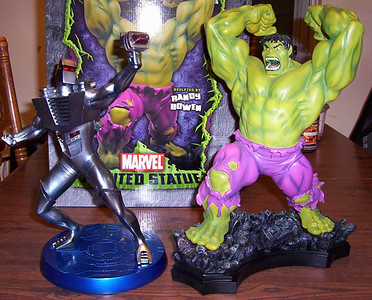 Bowen Designs Classic Hulk Statue and ROM Spaceknight Statue by Helder