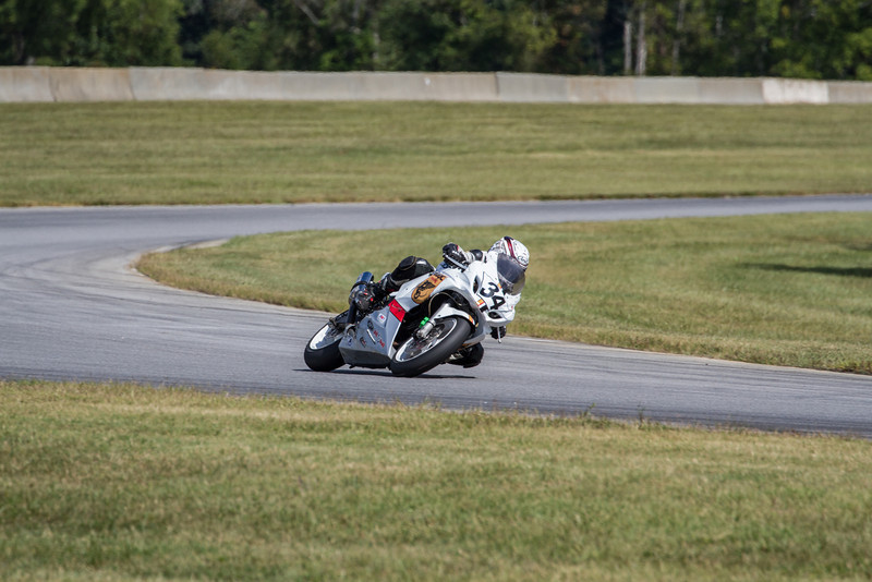 2013 AMA RRGC - Lightweight Twins SuperBike<br /> Photo: American Motorcyclist Association/Jen Muecke
