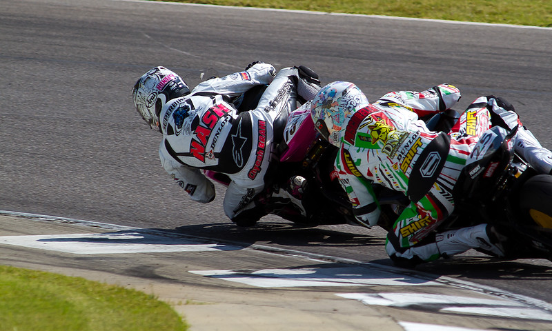AMA Pro Supersport Riders Nash and Pascarella doing battle.