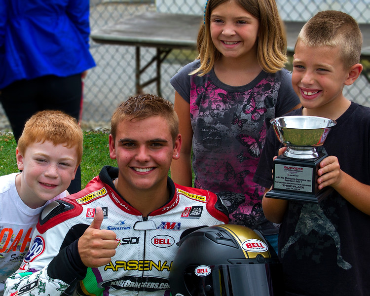 Kneedragger.com Stefano Mesa and Crew Family Celebrate Saturday SuperSport Third Place Finish