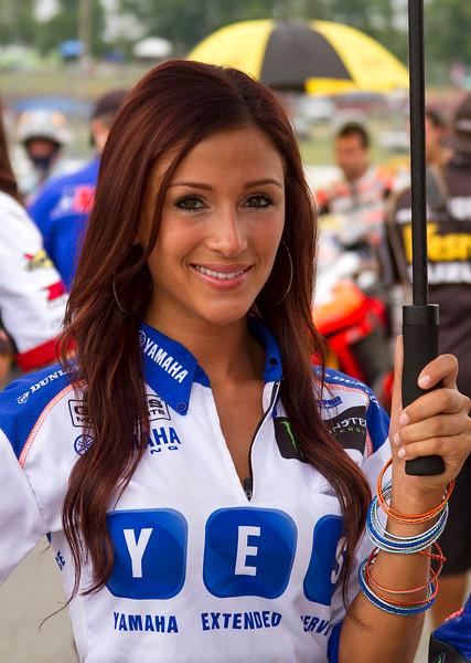 YES Graves Yamaha Sexy Brunette Umbrella Girl Buckeye SuperBike Weekend
