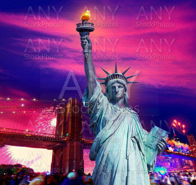 Liberty Statue Brooklyn bridge july 4th fireworks