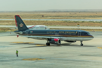 Royal Jordanian Airbus A320-232 JY-AYQ 5-6-18